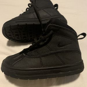 Nike Toddler Boots! Perfect For Snow. Size 7! for Sale in Miami, FL