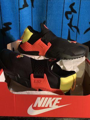 Brand New... Nike Huarache Extreme SE (size 5 1/2)... $60 for Sale for sale  Morrow, GA