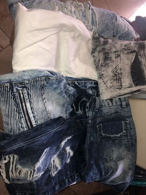 Jeans, jeans, jeans ($10 each) for Sale in Elk Grove, CA