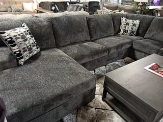 NEW, LARGE SECTIONAL INCLUDING DECORATIVE PILLOWS. SMOKE. IN STOCK. for Sale in Westminster,  CA