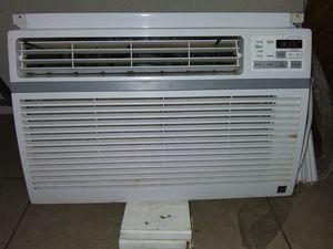 Large LG 110 window unit 12000 BTU for Sale in Bartlesville, OK