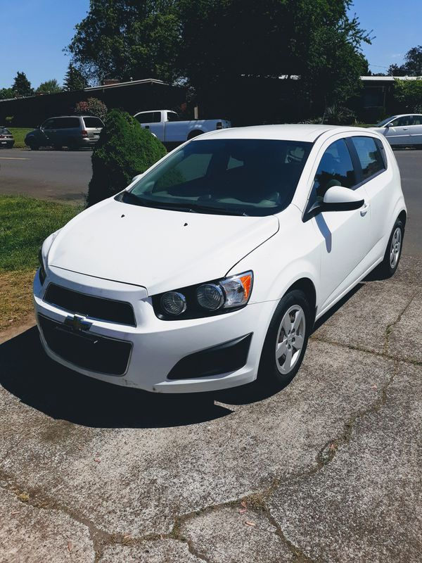 2013 Chevy sonic 👉 5 speed only 61K 1.8L very economical car