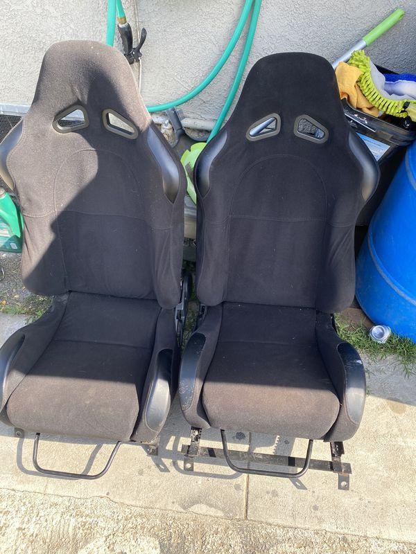 Bucket seats / Racing seats