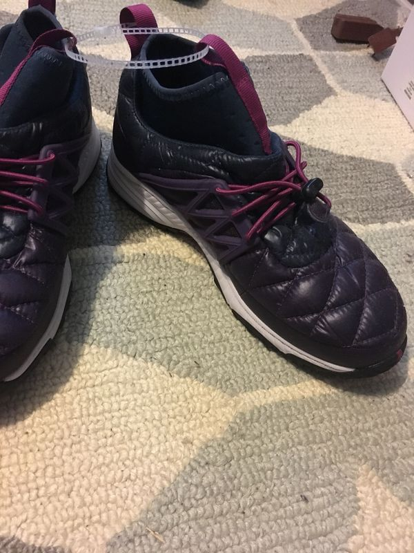 The north face women athletic Sneaker size 8