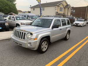 2010 Jeep Patriot woth only 125 k miles for Sale in Garfield, NJ