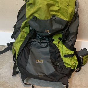 Deuter 65 + 10L aircontact backpack for Sale in San Francisco, CA