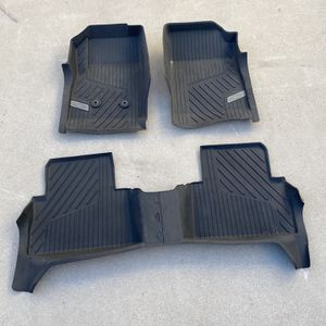 All Weather Floor Mats For Chevy Colorado for Sale in Los Angeles, CA