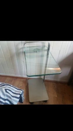 Elite modern deco accent table for Sale in Portland,  OR