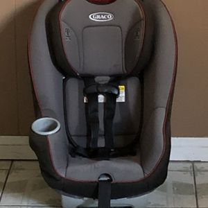 LIKE NEW GRACO CONVERTIBLE CAR SEAT for Sale in Riverside, CA