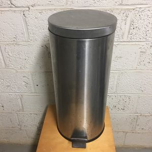 """25 5/8"""" Tall Stainless Steel Trash Can with removable black plastic insert. for Sale in Arlington, VA"""