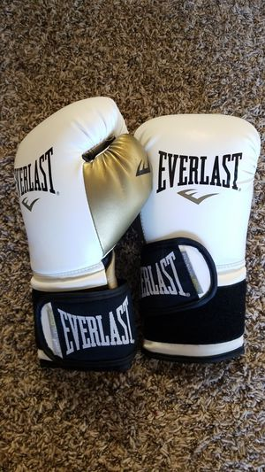 Boxing Gloves 12 oz for Sale in Las Vegas, NV