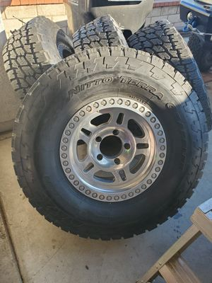 16 x 8 Pro Comp wheels & tires for Sale in Montclair, CA