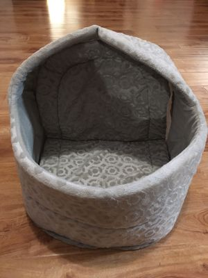 Grey cat or dog bed 14 in high x 17 wide for Sale in Davis, CA