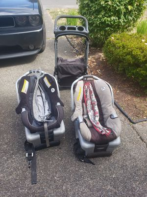 FREE Graco Classic Connect stroller & 2 car seats w bases for Sale in Kent, WA