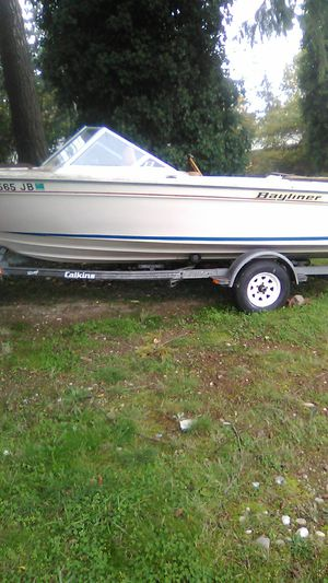 White bayliner boat for Sale in Everett, WA