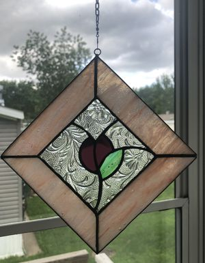 Beautiful vintage stained glass decor with long chain in great condition! for Sale in Dutton, MI