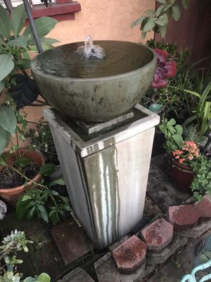 A beautiful water fountain for Sale in Compton, CA