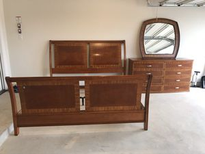 CALIFORNIA KING BED INCLUDING HEADBOARD & FRAMES & 8-DRAWER DRESSER W/ MIRROR ( Excellent Condition) (($400 OBO)) for Sale in San Antonio, TX