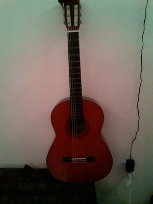 Classical Guitar YAMAHA C40 for Sale in NW PRT RCHY, FL