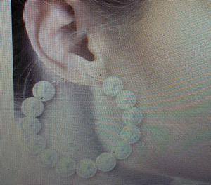 Ladies Pearl earrings. for Sale in Apple Valley, CA
