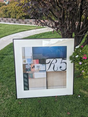 Beautiful High Quality💕💕 33 x 32 Colorful Aluminum Edge Wall Decorative Artwork (R5) for Sale in Alta Loma, CA