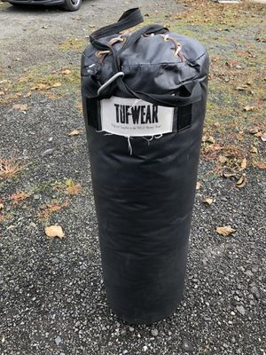 Punching bag TUF-WEAR 50# for Sale in Snohomish, WA