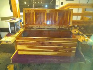 Hanade hope chest for Sale in Prineville, OR