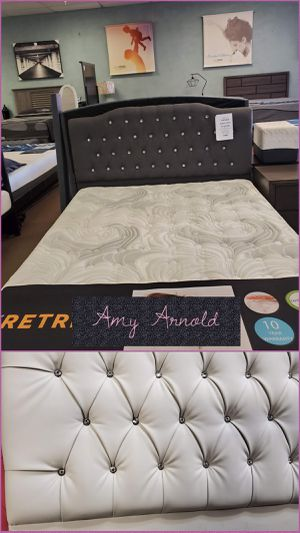 Queen Bedframe with Jewels for Sale in Glendale, AZ