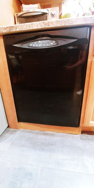 Maytag dishwasher QuietSeries for Sale in Staten Island, NY