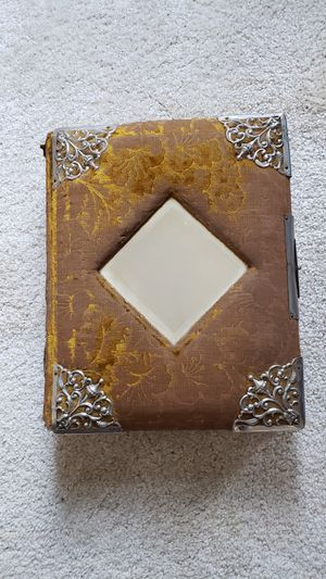 Vintage Victorian style photo album with pictures for Sale in Summerfield, NC