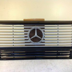 2002 to 2008 - MERCEDES G-WAGON G500 G55 USED OEM FRONT GRILLE for Sale in Fontana, CA