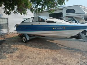 1989 Bayliner Capri cuddy cabin with a 3.0 motor for Sale in Antelope, CA