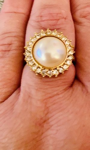 Size 7. Pearl Ring. Very Beautiful. Jewelry for Sale in Fort Myers, FL
