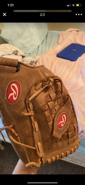 Softball glove for Sale in Round Rock, TX