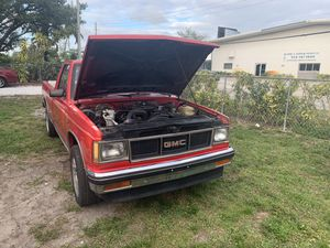 S15 s10 parts chevy gmc for Sale in Oakland Park, FL