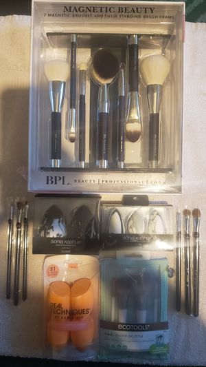 Makeup Brushes and Sponges for Sale in Aurora, CO