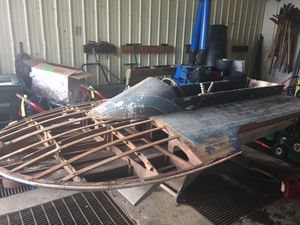 Vintage wood hydroplane and mercury outboard motor - ready for restoration for Sale in Snohomish, WA