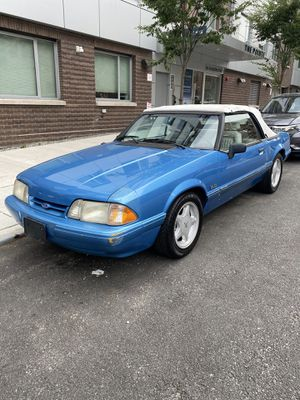 1992 FORD MUSTANG V8 2D CONVERTIBLE LX for Sale in Queens, NY