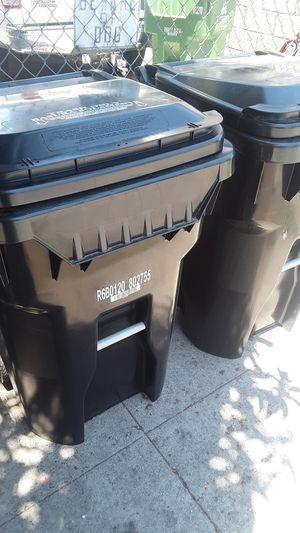 Black trash can bins for Sale in Los Angeles, CA