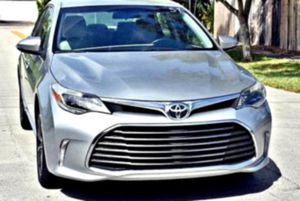 For sale2O13 Toyota Avalon V6 3.5 XLE for Sale in Fancy Prairie, IL