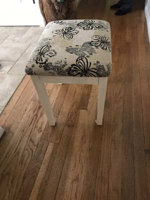 Small white stool with floral fabric top for Sale in Springfield Township, NJ