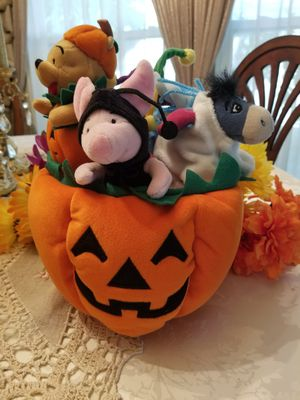 Disney Haloween Pumpkin with 4 Winnie The Pooh characters for Sale in Glendale, AZ
