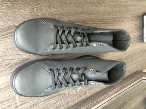 Work boots for men/Shoes for Crews size 9.5 for Sale in Philadelphia, PA