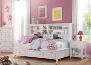 WHITE FINISH COTTAGE STYLE TWIN SIZE DAY BED BOOKCASE STORAGE for Sale in Chula Vista, CA