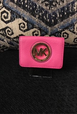 Small Micheal kors wallet for Sale in Costa Mesa, CA