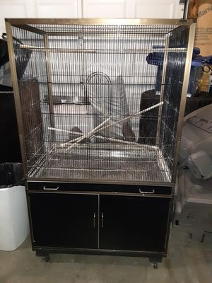 Large Bird Cage- PENDING for Sale in Lake Stevens, WA