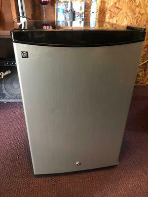 GE mini fridge for Sale in Sterling, VA