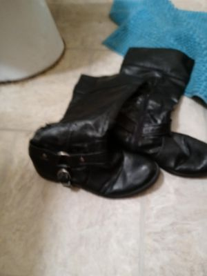 Leather knee-high boots size 8 for Sale in Lorain, OH