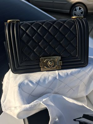 Chanel Caviar Boy Bag for Sale in Kenilworth, IL