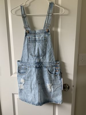 BRAND NEW with tag distressed Forever 21 overall dress for Sale in Maple Valley, WA